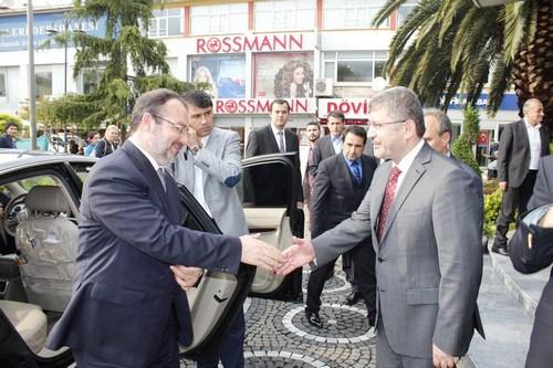 Prof. Dr. Mehmet Görmez, Üsküdar Belediyesi'ni ziyaret etti