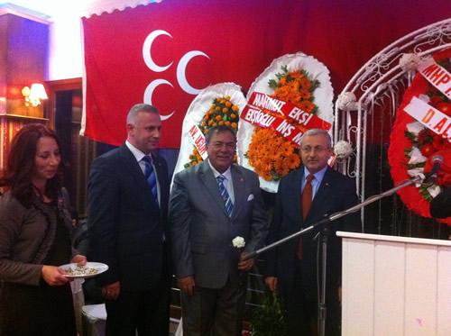 MHP Üsküdar İlçe Teşkilatı tarafından düzenlenen ''Birlik ve Beraberlik Yemeği'', Büyük Çamlıca Sefa Tepesi Restaurant'ta gerçekleşti.