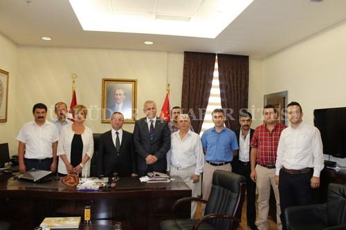 MHP Üsküdar İlçe Teşkilatı Üsküdar yeni Emniyet Müdürü Mahir Yavaş'ı makamında ziyaret ederek 'hayırlı olsun' dedi.
