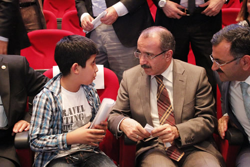 AK Parti Üsküdar İlçe Başkanlığı'nın düzenlediği Danışma Meclisi toplantısına Milli Eğitim Bakanı Ömer Dinçer de katıldı