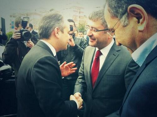 Gençlik ve Spor Bakanı Akif Çağatay Kılıç, Üsküdar Gençlik Merkezi'ni ziyaret ederek, incelemelerde bulundu.