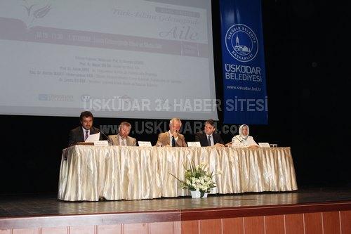 ''Türk-İslam Geleneğinde Aile'' başlıklı sempozyum Bağlarbaşı Kültür Merkezi'nde gerçekleştirildi.