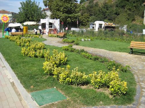 Çiçek gibi bir Üsküdar için 3 yeni park daha hizmete girdi...