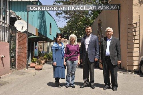 Üsküdar Belediyesi'nin katkıları ile Internatıonal Art Center (IAC) İstanbul tarafından hizmete sokulan Üsküdar Antikacılar Sokağı, Türkiye'nin dört bir tarafından gelen antika severleri ağırladı.