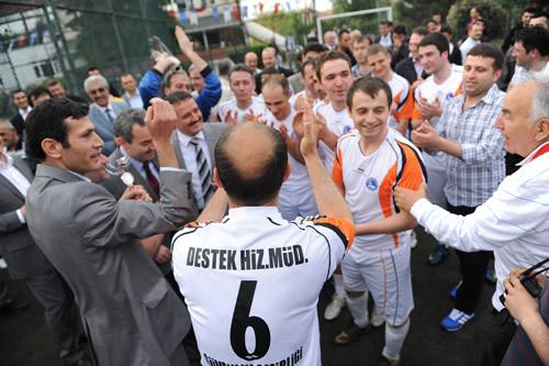 Üsküdar Belediyesi tarafından geleneksel olarak düzenlenen Birimler Arası Futbol Turnuvası'nda şampiyonluğu Güvenlik Müdürlüğü kazandı.