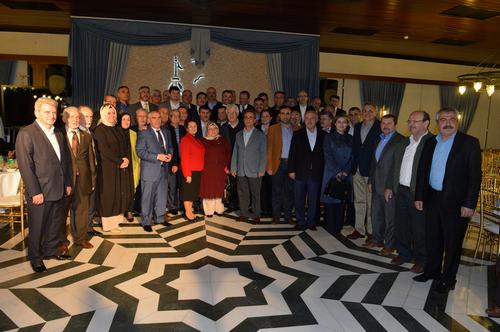 Eski D�nem �sk�dar Belediye Meclis �yeleri yemekte bir araya geldi