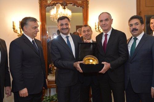 Üsküdar Belediyesi ve Macaristan'ın Kaposvár şehri, ortak yatırımların desteklenmesi amacıyla eğitim ve ekonomi temeline dayalı kardeşlik protokolü imzaladı.