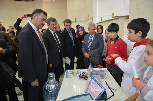 Üsküdar Bilim Şenliği'nin ilki Bağlarbaşı Kongre ve Kültür Merkezi'nde gerçekleştirdi.