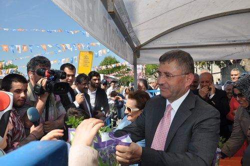 Üsküdar 9. Mor Salkım Erguvan ve Mimoza Şenliği gerçekleştirildi