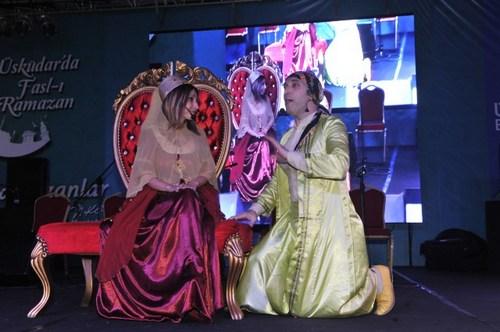 Şemsipaşa Meydanı'nda gerçekleştirilen sahne etkinlikleri Üsküdarlılara Ramazan Ayını dolu dolu yaşatmayı hedefliyor.