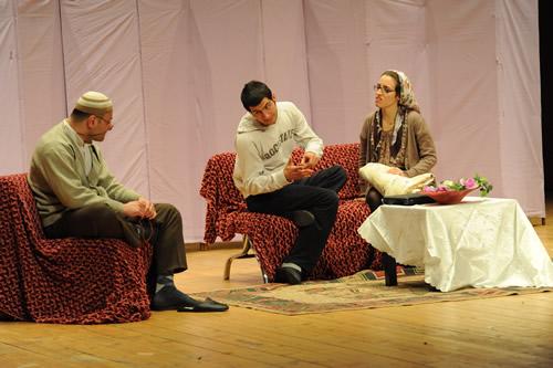 ''Hedef Sensin'' tiyatro gösterisi büyük beğeni topladı