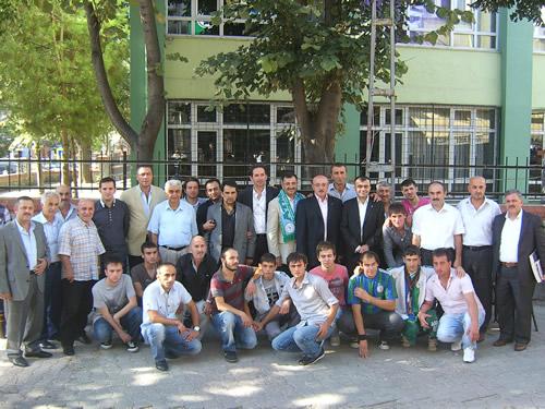Üsküdar Rizeliler Derneği 2. Geleneksel Bayramlaşma Töreni Üsküdar'daki Dernek Merkezinde geniş bir katılımla gerçekleştirildi.