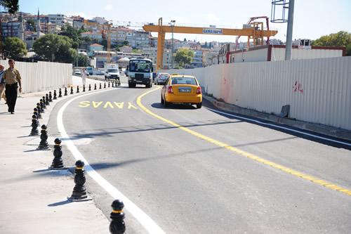 Üsküdar Meydanı Sahil Geçiş Yolu Projesi 24 Ağustos Çarşamba günü itibariyle araç ve yaya trafiğine açıldı.