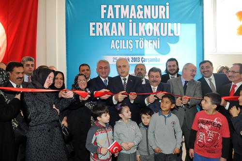 Yavuztürk'ün 12 yıllık hasretine son veren Fatma Nuri Erkan İlköğretim Okulu, Sultantepe Ortaokulu ve İcadiye İlköğretim Okulu İstanbul Valisi Hüseyin Avni Mutlu'nun da katılımıyla Üsküdar'da açıldı.