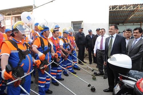 Üsküdar Belediyesi ''Daha temiz bir çevre, daha temiz bir Üsküdar'' için, 4. Bahar Temizliği Kampanyası'nı başlattı.