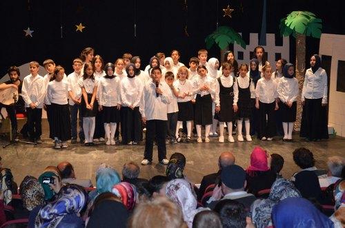 Kutlu Doğum Haftası, Üsküdar Belediyesi Bilgi Evleri ve Çocuk Akademilerinde coşkuyla kutlandı.