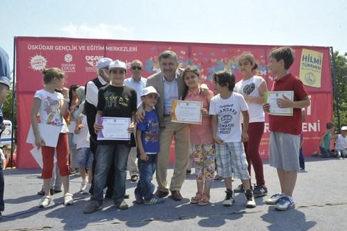 Üsküdar Belediyesi, zorlu 2013- 2014 eğitim öğretim yılını tamamlayan öğrencileri, düzenlenen görkemli şenlikle tatile uğurladı.