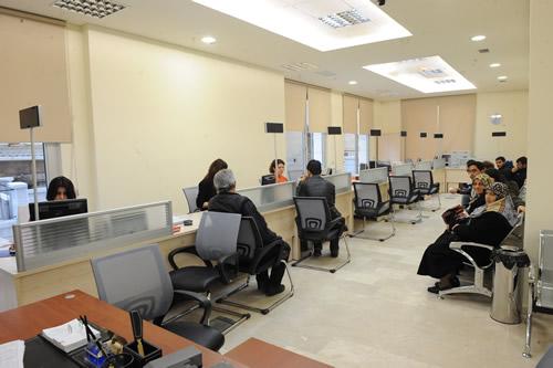 Üsküdar bünyesinde hizmet veren kamu kurumlarını tek bir çatı altında toplayacak olan yeni Hükümet Konağı, 4 Nisan Pazartesi gününden itibaren hizmete girdi.