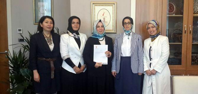 AK Parti Üsküdar İlçe Kadın Kolları'na Neslihan Aydın atandı