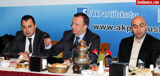 AK Parti �sk�dar yeni il�e y�netimi medya ile tan��t�