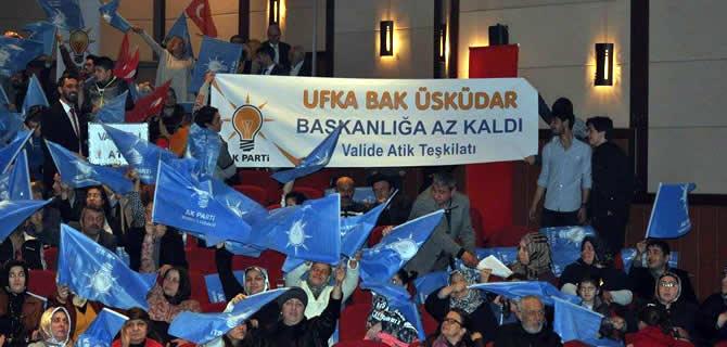 AK Parti �sk�dar'dan se�im mitingi gibi dan��ma meclisi