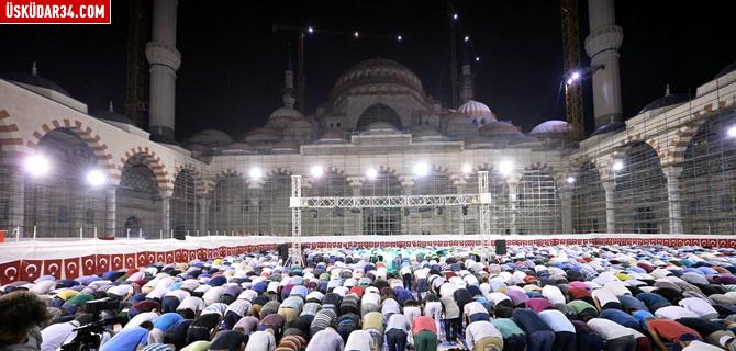 Asrın Mührü Çamlıca Camii'nde ilk namaz kılındı