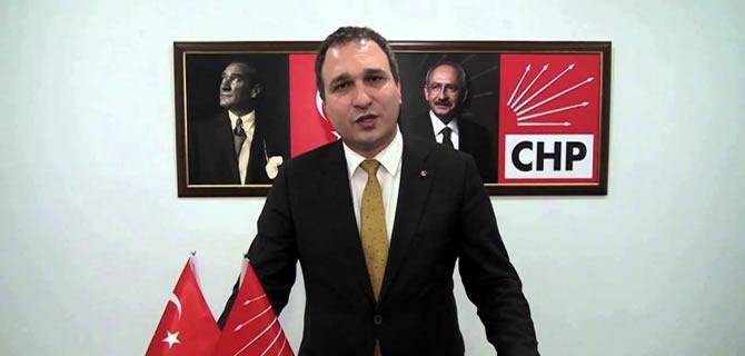 CHP Üsküdar'da yeni ilçe başkanı Suat Özçağdaş oldu