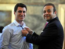 TBMM'nin en genç milletvekili rozetini taktı