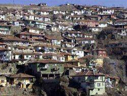 Üsküdar'da 2 gecekondu yıkıldı