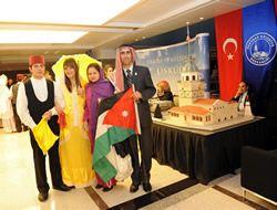 Gönüllüler 7 Kıtada Üsküdar'ı tanıtacak