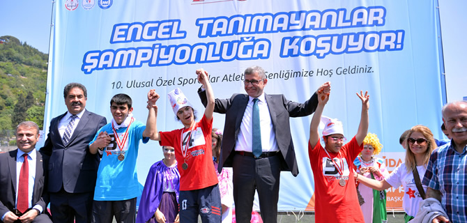 Özel Sporcular Atletizm Şenlikleri Üsküdar'da başladı