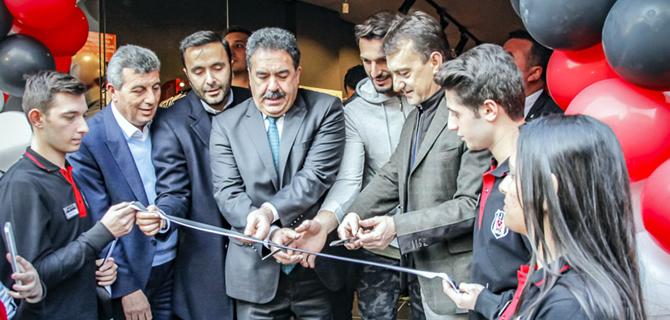 Türkiye'nin en büyük Kartal Yuvası Üsküdar'da açıldı