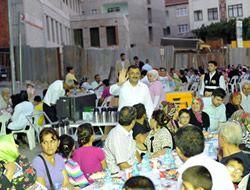 Sokak iftarları Ünalan'da başladı