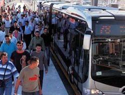 Burhaniye'de Metrobüs durağı sıkıntısı