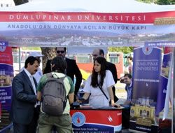 Üsküdar Meydan'ında Üniversitesini tanıttı