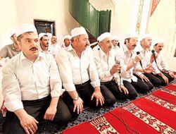 Üsküdar'da Musikiyle namaz