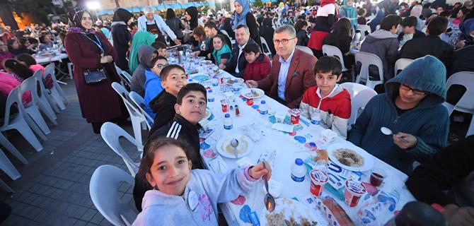Üsküdarlı Çocuklar ilk iftar heyecanını yaşadı